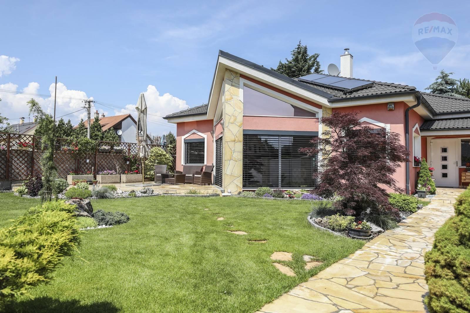 Predaj domu 246 m2, Bratislava - Vrakuňa