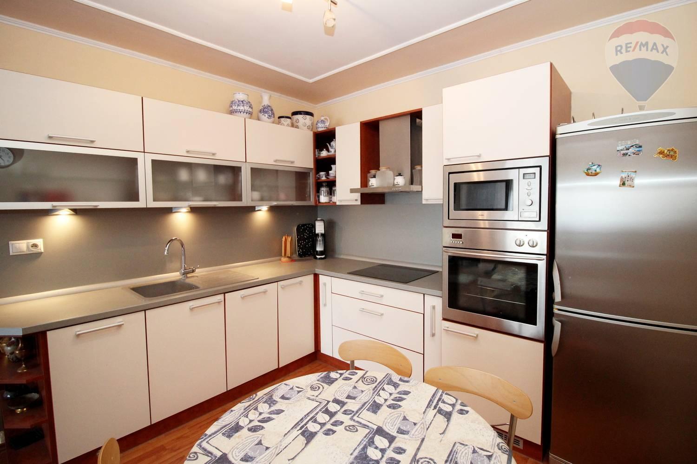 Predaj bytu (3 izbový) 74 m2, Galanta