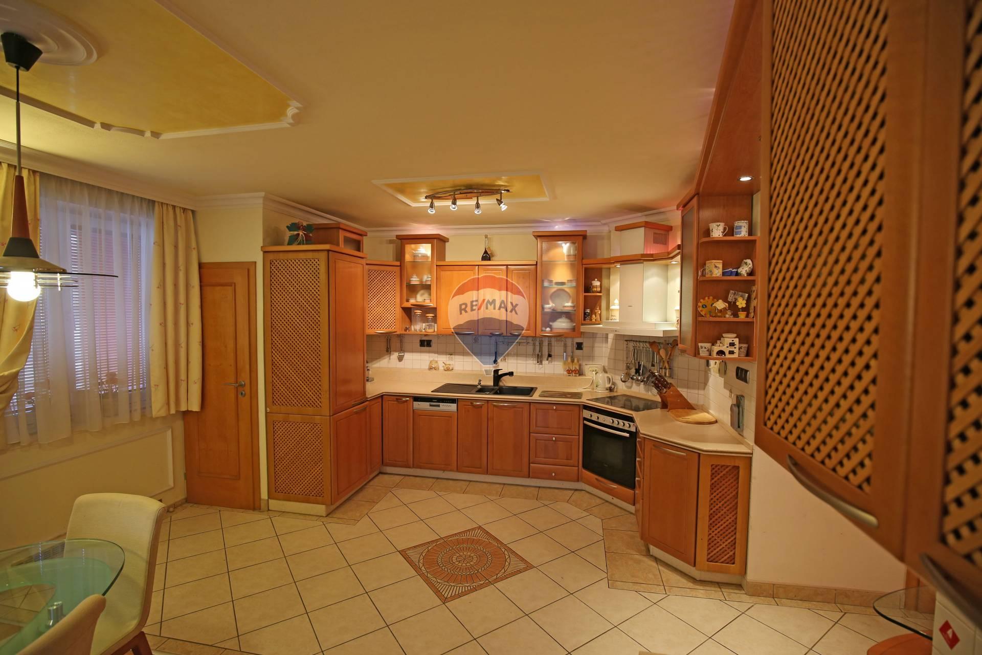 Predaj bytu (4 izbový) 119 m2, Senec