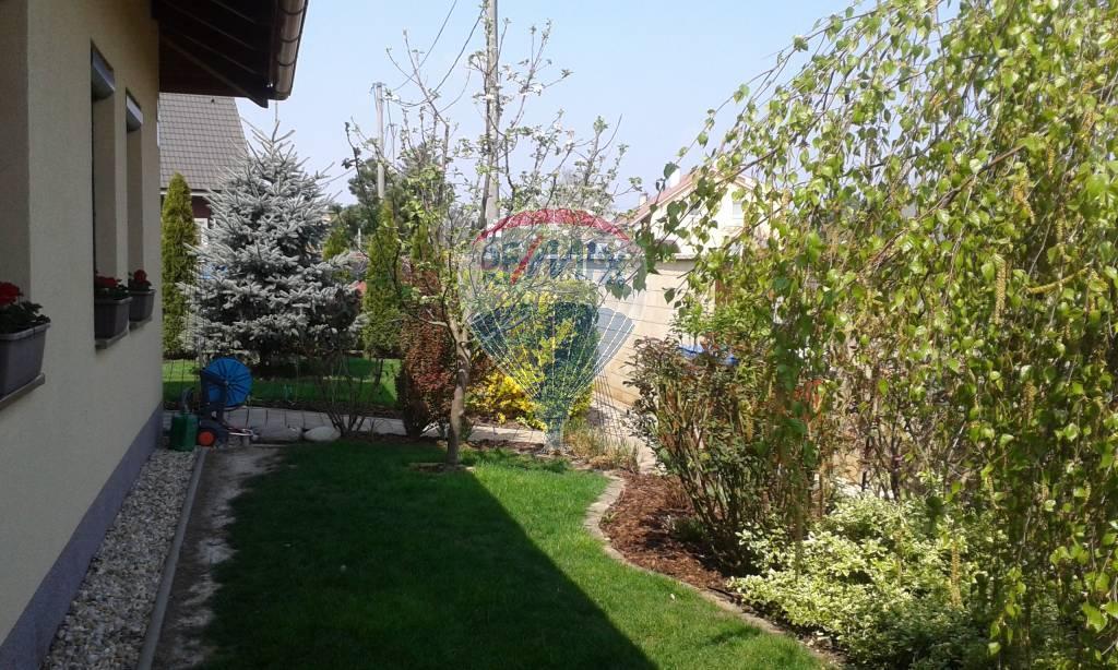 Na predaj 5-izbový rodinný dom len 15 km od Bratislavy