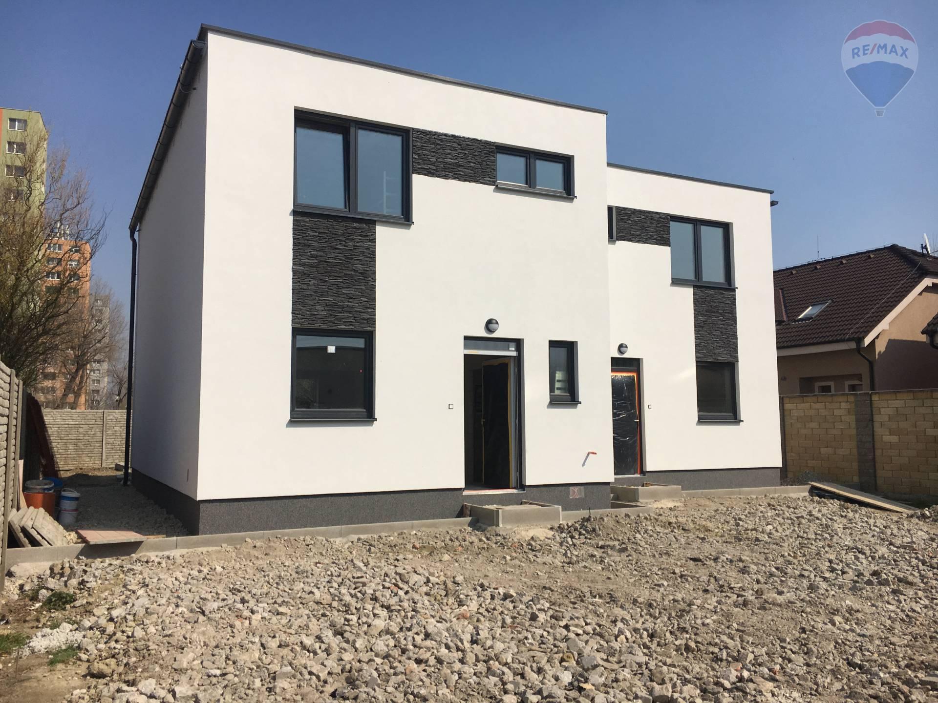 Predaj bytu (4-izbovy) 110 m2, Bratislava - Podunajske Biskupice