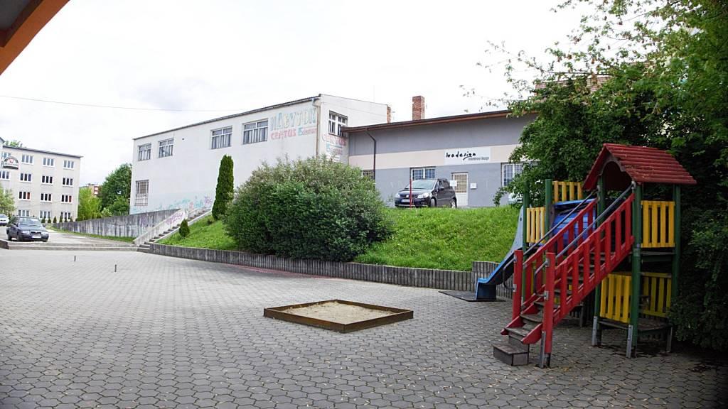 Na predaj budova v centre mesta Prievidza