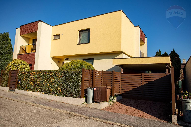 Predaj domu 220 m2, Topoľčany