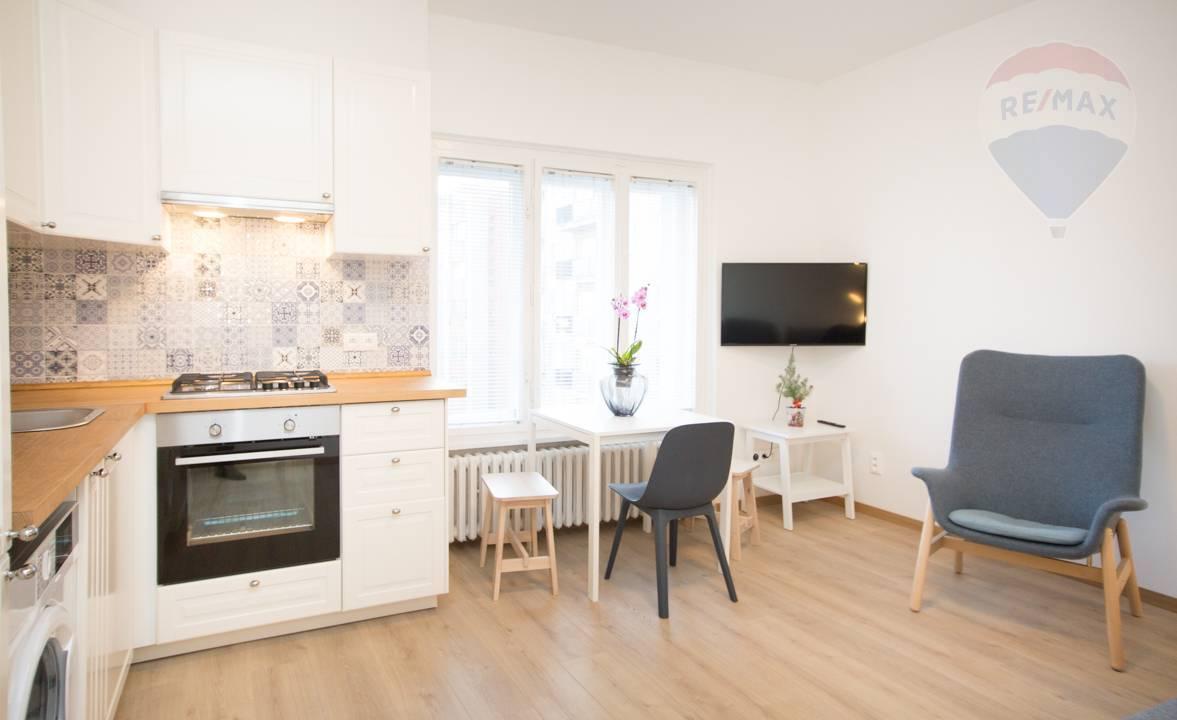 Prenájom bytu (2 izbový) 32 m2, Bratislava - Nové Mesto