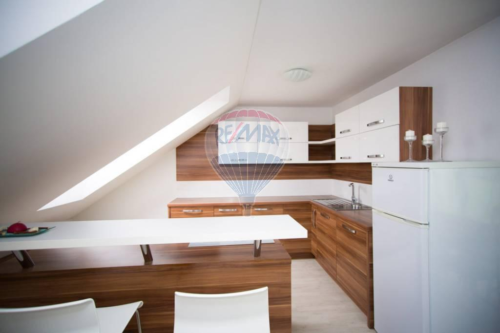 Na predaj 3. izbový mezonetový byt v Chorvátskom Grobe
