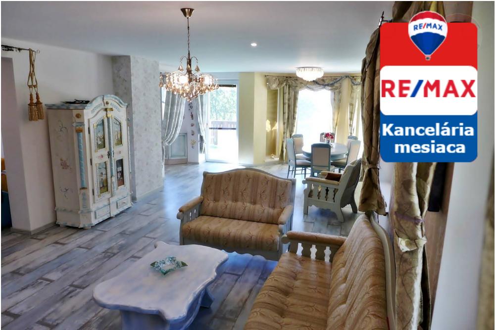 Predaj rodinnej vily a záhradného domu na parcele 1001 m2 v Prievidzi.
