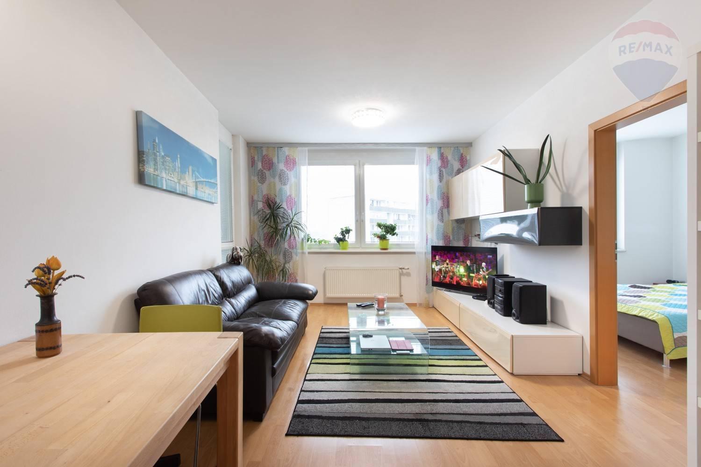 Predaj bytu (2 izbový) 54 m2, Bratislava - Karlova Ves